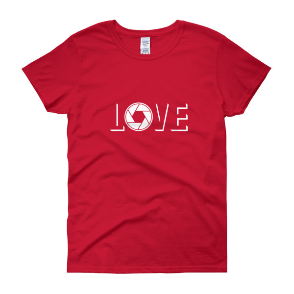 Love Aperture – Photography – Women's Tee